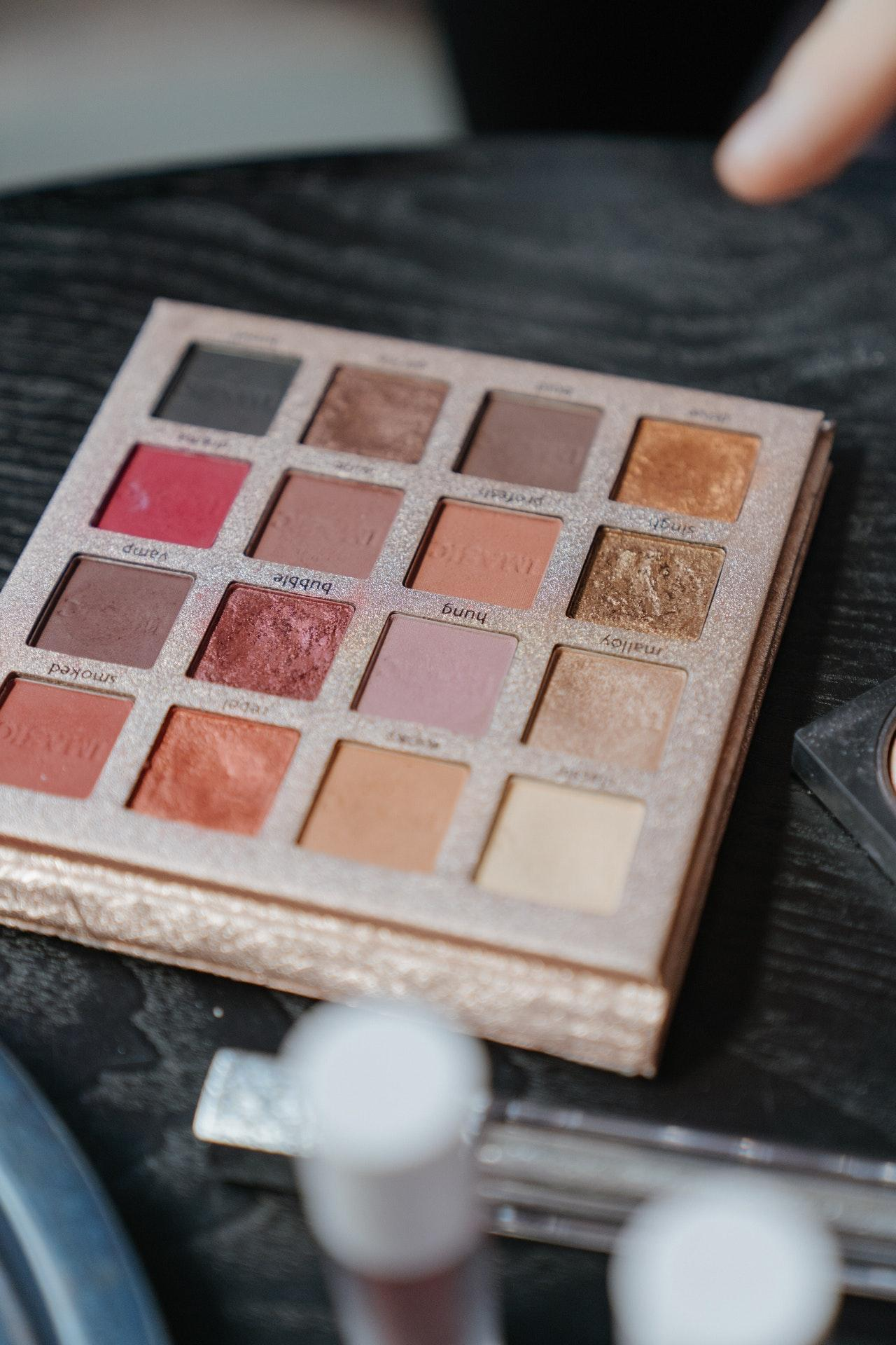 eye-shadow-palette-cosmetics