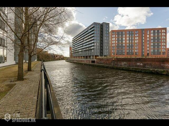 Greater Manchester - The Riverside 01