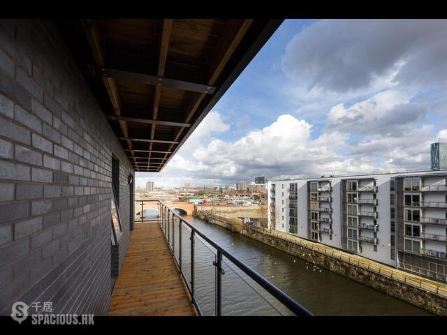 Greater Manchester - The Riverside 04