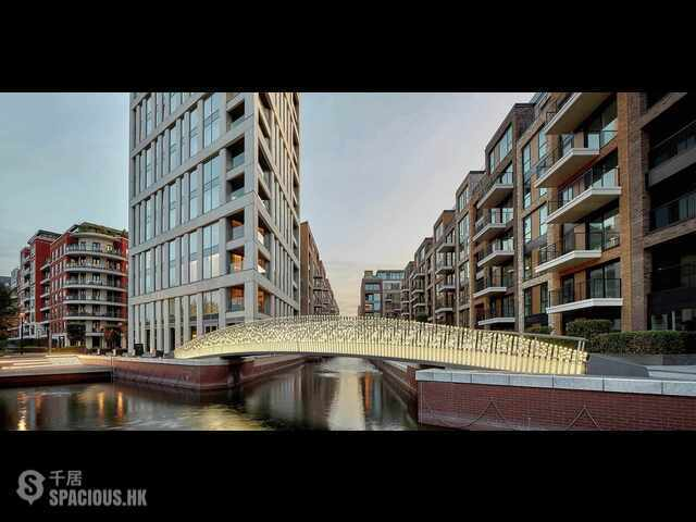 City of London - Chelsea Creek 01